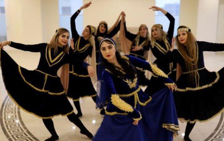 A dance community of women in Iran